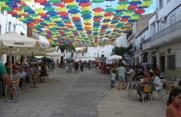 Día de Extremadura, paraguas en Malpartida de Cáceres