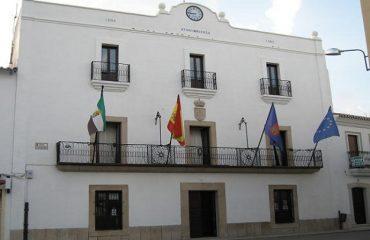 fachada casa consistorial de Malpartida de Cáceres