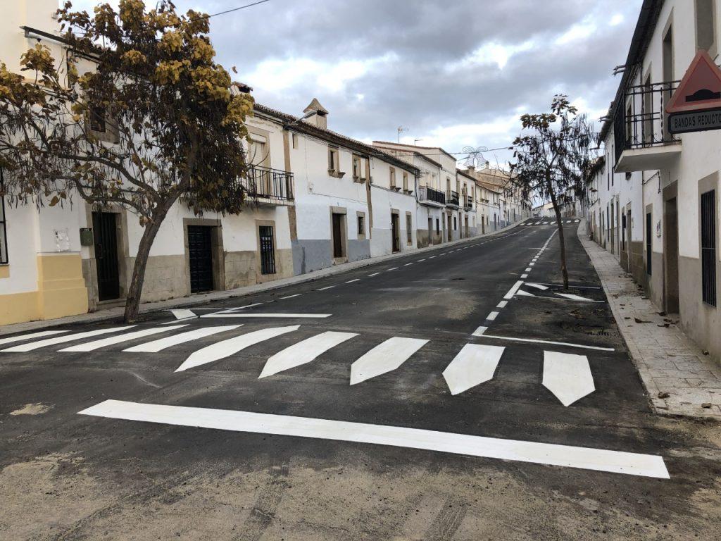 Calle recién asfaltada